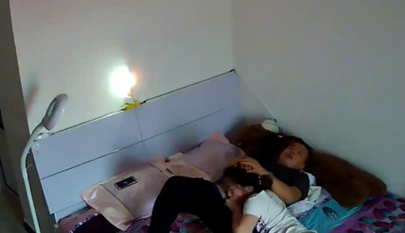 暗黑FUN一下-你的居家智慧攝影機安全嗎!丈夫與妻子的夏日激情~孩子都睡了就是大人的時間了~