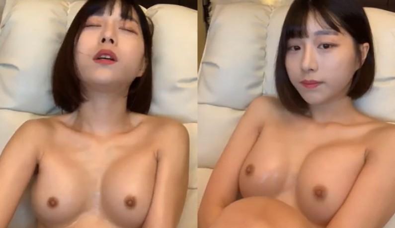 暗黑FUN一下-[韓國] 短髮俏麗妹妹~自摸小穴啪啪啪~淫水交織的聲音讓爹爹都硬起來了!!